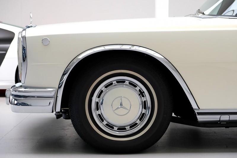 Mercedes-Benz-600-Pullman (7)