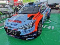 preparacion de automovil participante Rally Islas Canarias 2019 salida desde Parque Santa Catalina Las Palmas de Gran Canaria 06