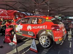 preparacion de automovil participante Rally Islas Canarias 2019 salida desde Parque Santa Catalina Las Palmas de Gran Canaria 04