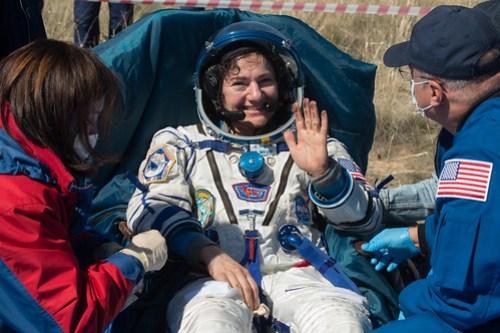 Expedition 62 Soyuz Landing (NHQ202004170014)