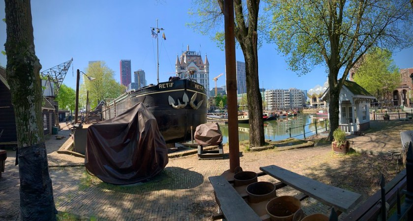 Rotterdam Daily Photo: A walk in the sun, everything seems to be in shipshape