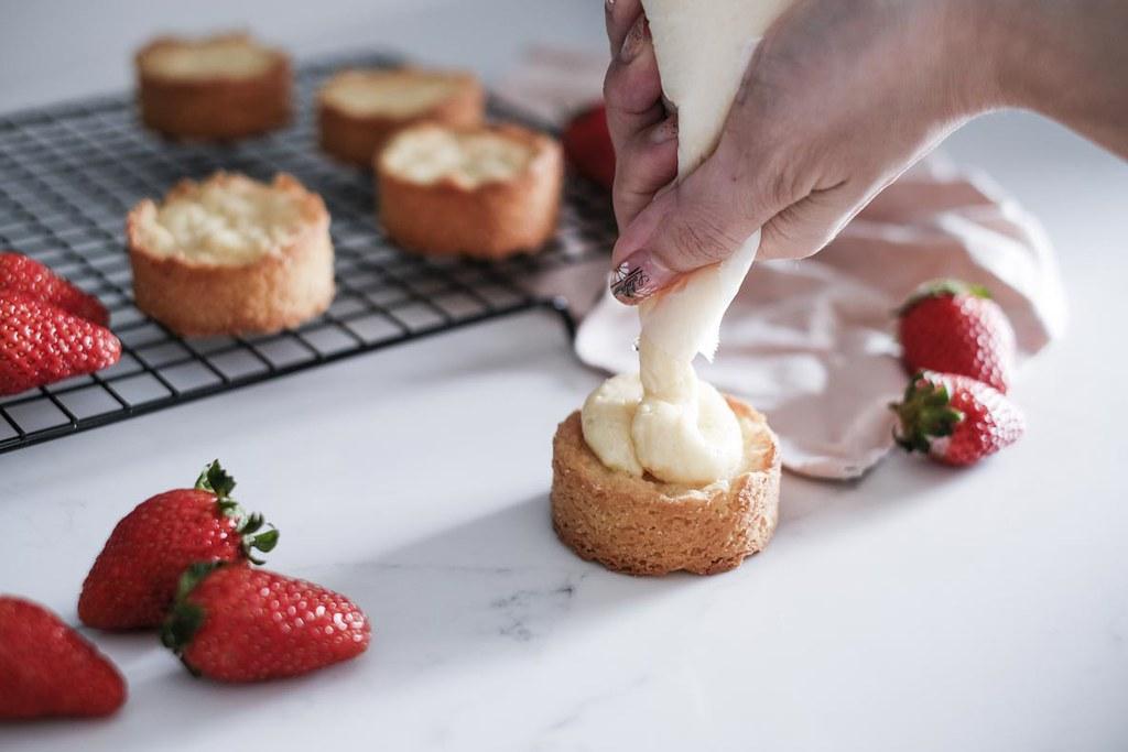 Strawberry Sable Breton-22