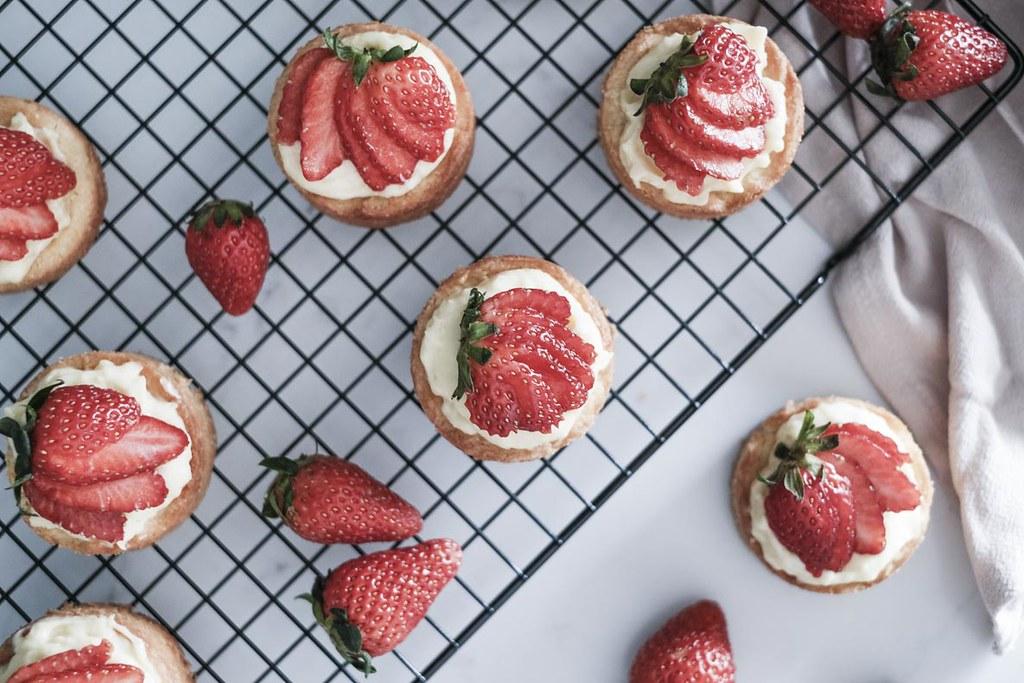 Strawberry Sable Breton-29