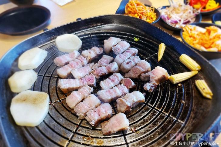 49883093202 394388d936 o - 有專人代烤的韓式燒肉,烤得恰恰的極厚三層肉搭配芝麻葉生菜包肉好對味~