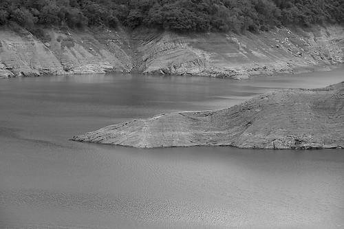 台南曾文水庫:四月枯水期像是枯山水