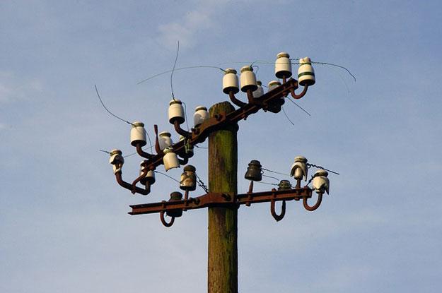 ilustrasi-tiang-listrik-110