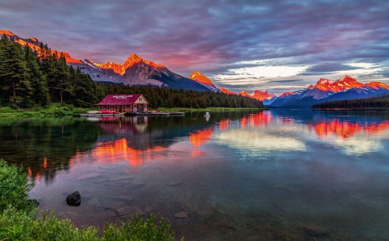 Maligne Lake Alpenglow