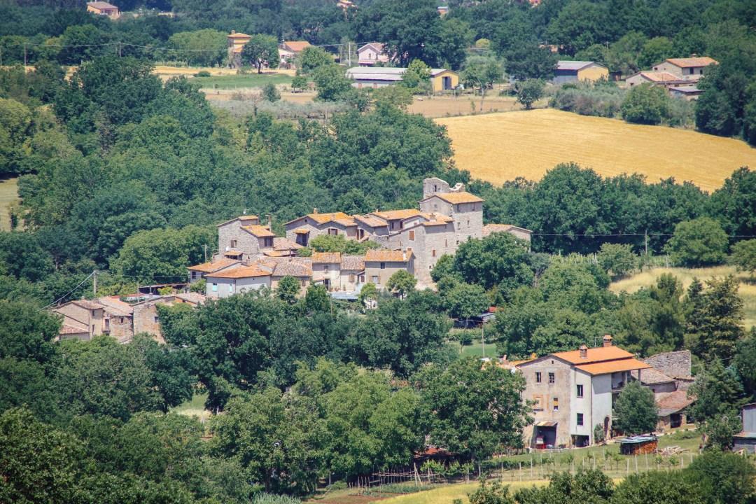 Torre Lorenzetta, Umbria