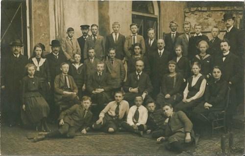 Groepfoto HBS Harlingen 1917-1918 waarop Simon Vestdijk Senior