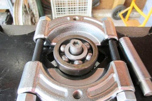 Output Shaft Rear Ball Bearing with M8 Allen Bolt In Bearing Splitter