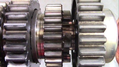 Output Shaft 4th Gear Teeth And Shift Fork Slot Are In Good Condition
