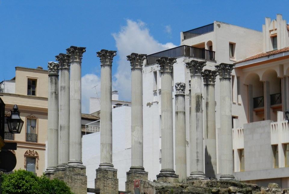 Templo romano restos arqueologicos en calle Claudio Marcelo de Cordoba 02