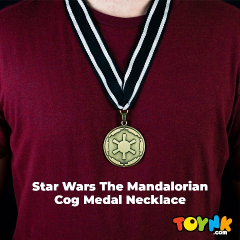 The mandalorian cog necklace 1080