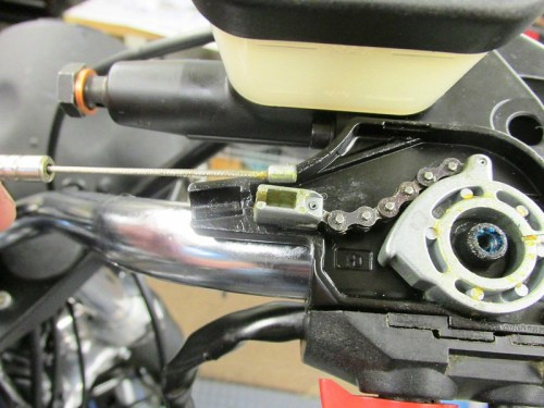 Throttle Cable Nipple Fits In Slot Of Block On End Of Throttle Cam Chain