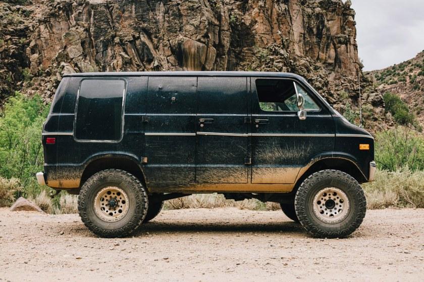 Dodge Van 4x4, lifted