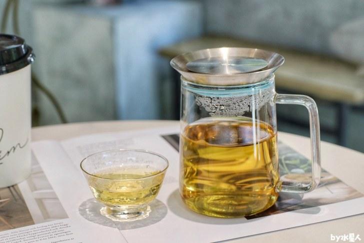 50247897472 bdeebf0714 b - 熱血採訪|聆茶音符老宅茶店新開幕!手搖飲、冷泡茶都是銅板價,指定飲品買一送一,還有用喝的檸檬塔!
