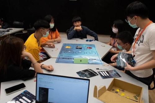 元智大學2020年金融科技研習營 用桌遊學習投資理財 (1)