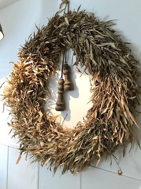 Grote krans van olijftakken
