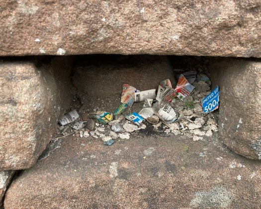 Tiny Rubbish Treasure Cave