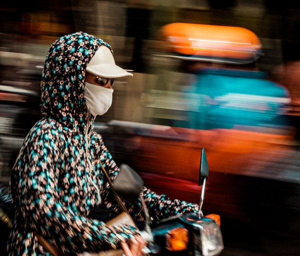 Hanoi close up panning