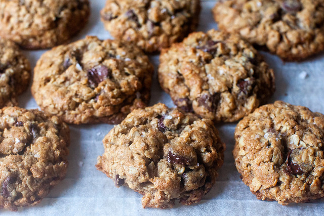 whole wheat oat chocolate cookies