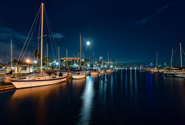 Moon, Mars, and stars: before dawn at the marina