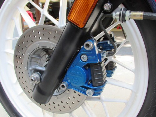 Blue Calipers In Tribute To First Year 1977 R100RS