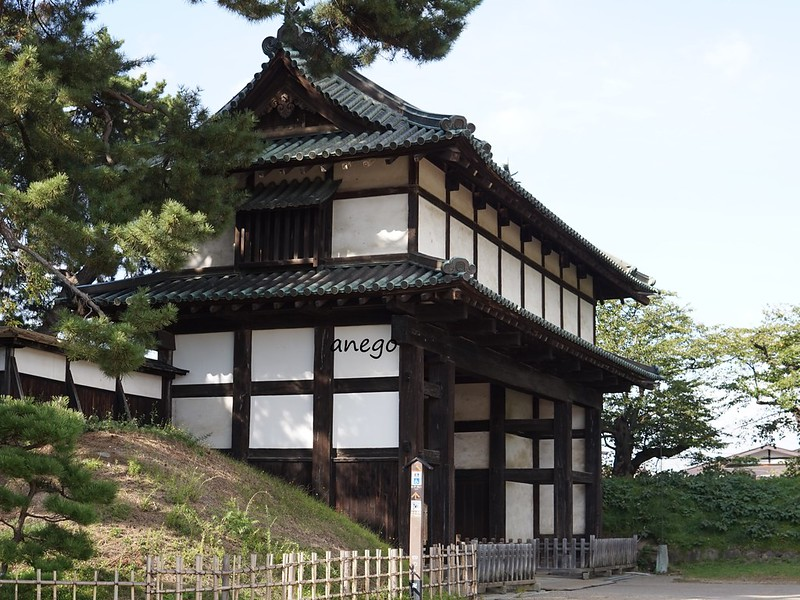 弘前城 門