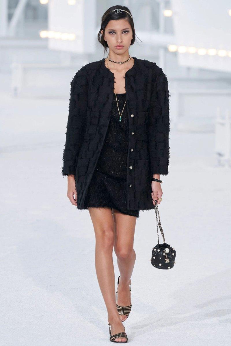 fashion_week_spring_2021_ready-to-wear_chanel_8