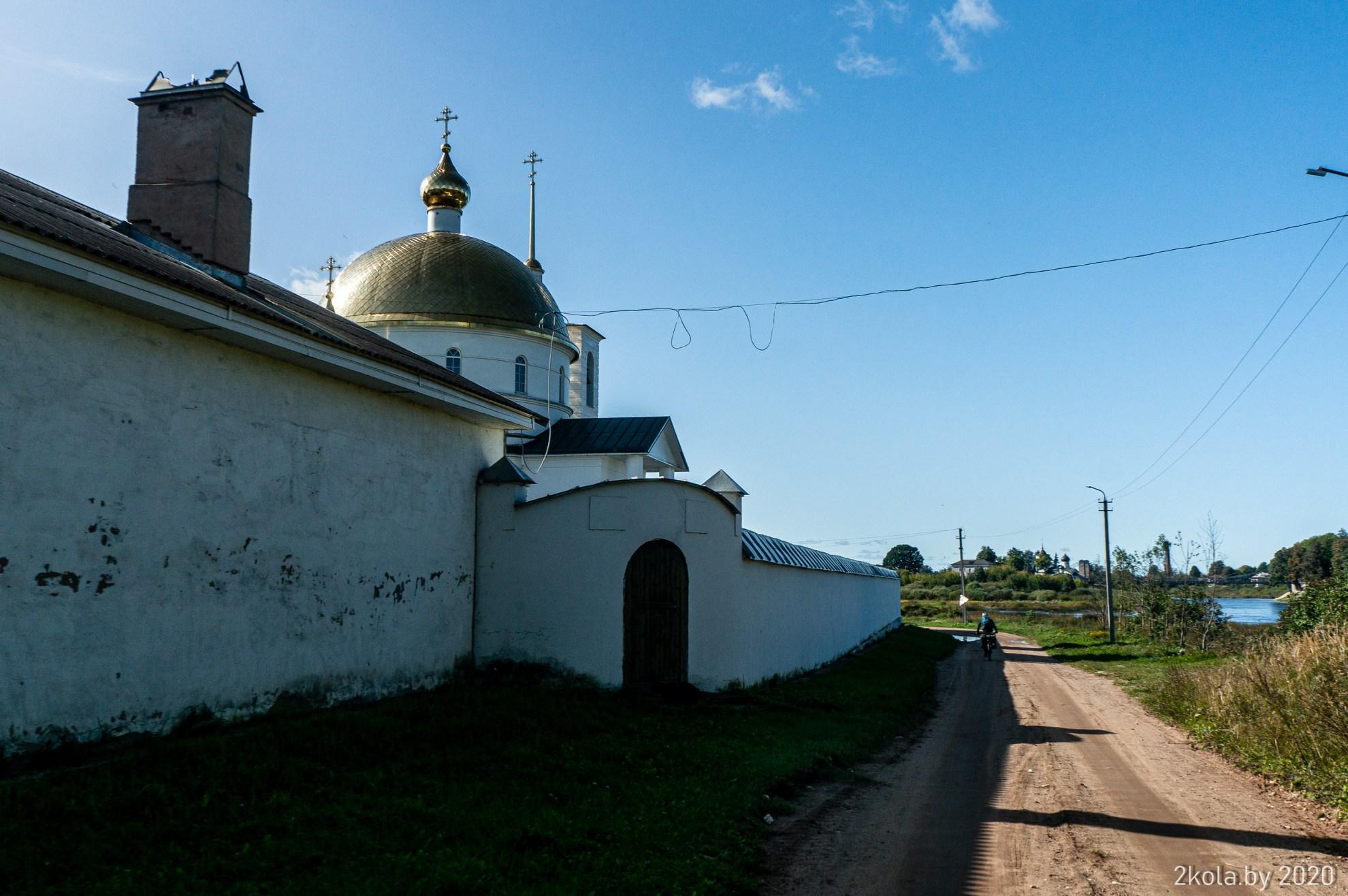 Женский монастырь г. Остров