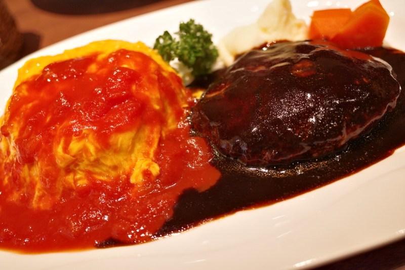 Marunouchi Dindon オムライス トマトソース&黒毛和牛のハンバーグステーキ
