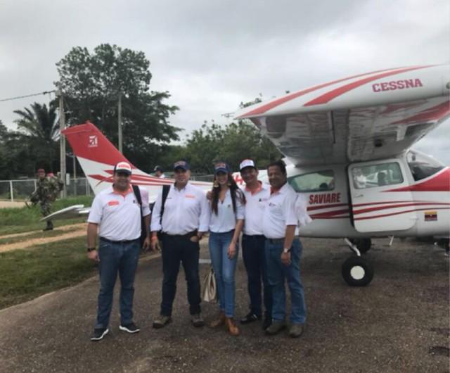 El 6 de mayo de 2018. Campaña electoral de Jennifer Arias para la Cámara en compañía de Hernán Gómez Niño, hermano del piloto del Cartel de Sinaloa.