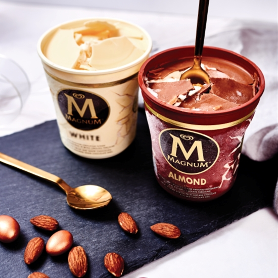 Magnum Pints in Almond and White variants