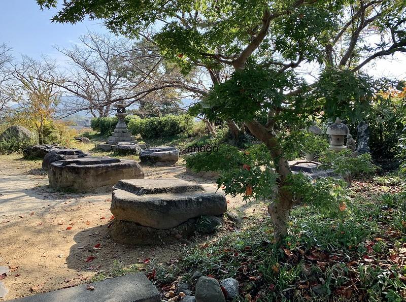 本薬師寺 礎石