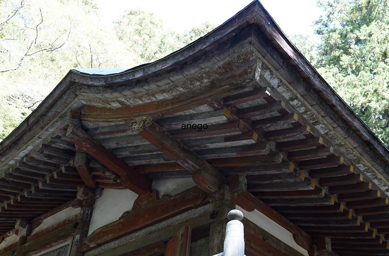 室生寺 金堂の屋根