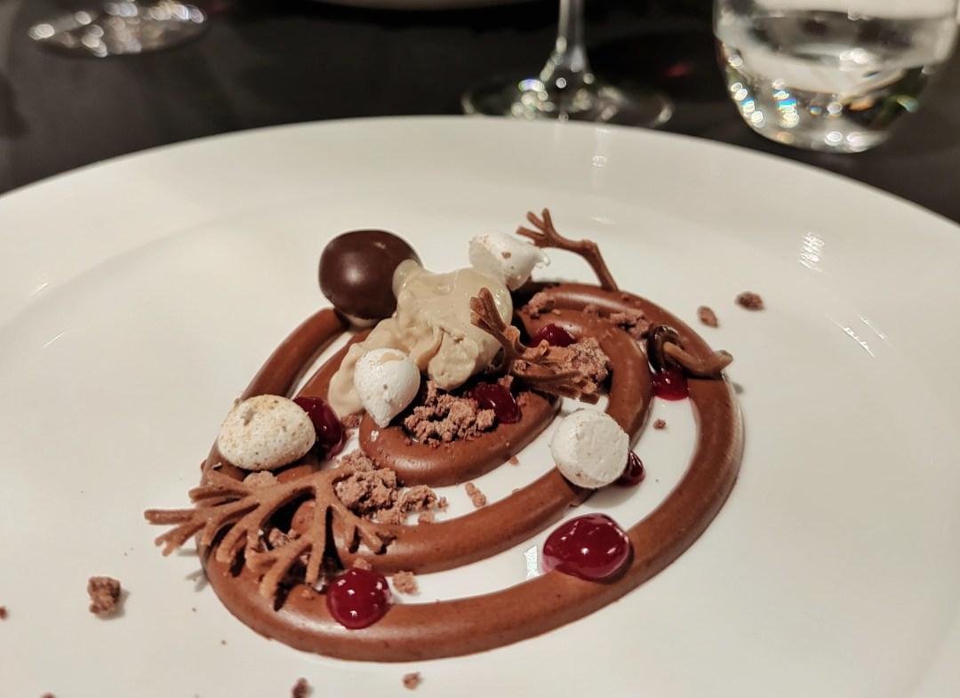 Sottobosco di cioccolato e gelato ai funghi (ristorante Il Sambuco)