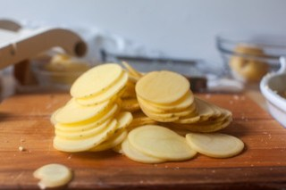 thinly sliced potatoes