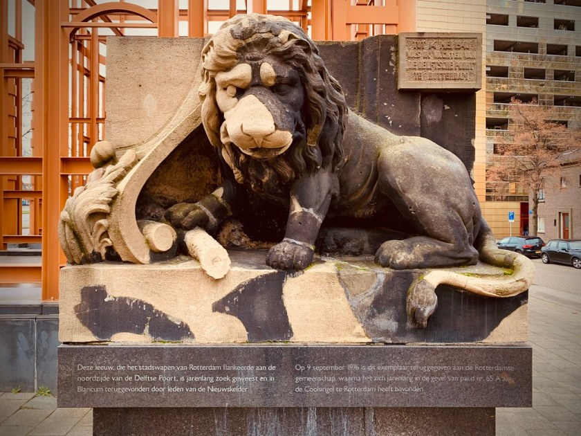 Rotterdam Daily Photo: Friday, the lion sleeps this weekend...