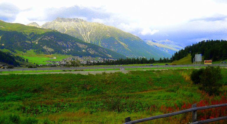 cruzando los Alpes . Exp.