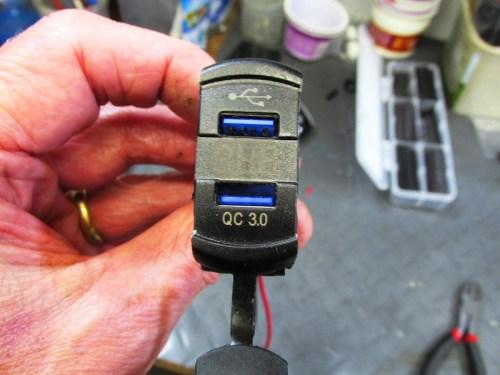 USB Socket Has 2 USB Ports With Volt Meter Between Them