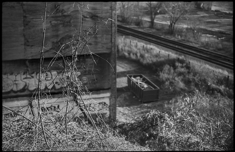 looking down, urban landscape, abandoned building, graffiti, dumpster, railroad tracks, river district, Asheville, NC, Ansco Super Memar, Fomapan 200, Moersch Eco film developer, 12.8.20