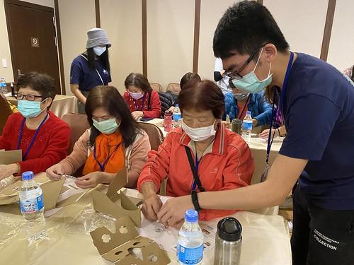 元智艾妲世代共學 打造長輩專屬的科學體驗營 (1)