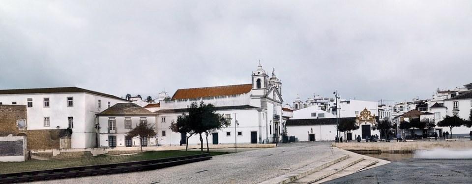 Iglesia Santa Maria plaza Infante Dom Henrique Lagos Algarve Portugal