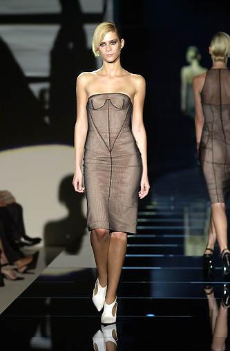 gucci-runway-fashion-show-spring-2001-tom-ford_3