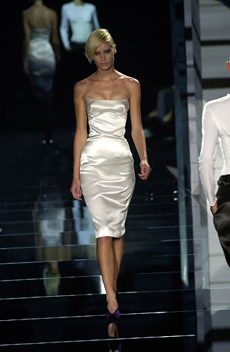 gucci-runway-fashion-show-spring-2001-tom-ford_9