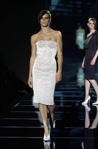 gucci-runway-fashion-show-spring-2001-tom-ford_4