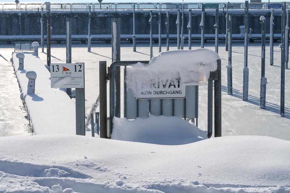 Schnee Spaziergang Friedrichshafen am Bodensee Januar 2021 hyyperlic-51