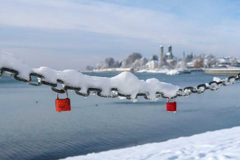 Sightseeing Walk Snow Lake Constance Friedrichshafen January 2021 Blog JoyDellaVita-26