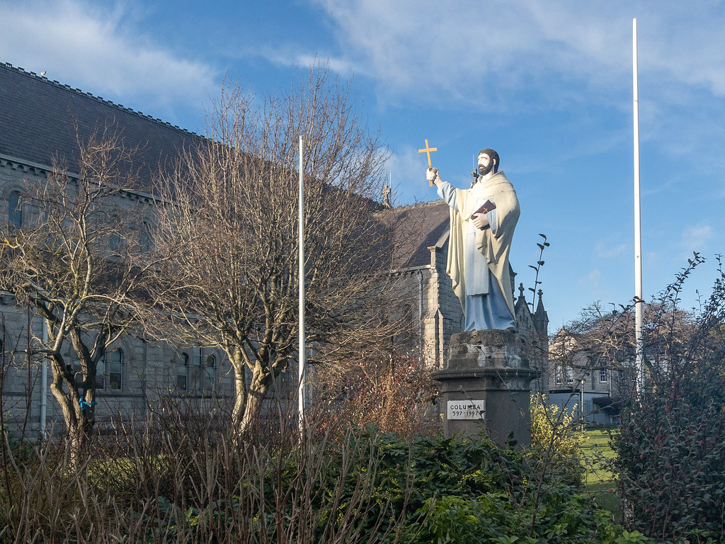 STATUE OF ST COLUMBA [CHURCH ON IONA ROAD]-169734