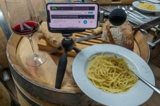 Spaghetti-Setting im Weinkeller von Andreas Kretschko